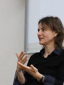 """""""Ich versuche, Argumente zu liefern, mit denen man politisch handlungsfähig ist"""", die Historikerin und Kuratorin Susanne Warnsing."""