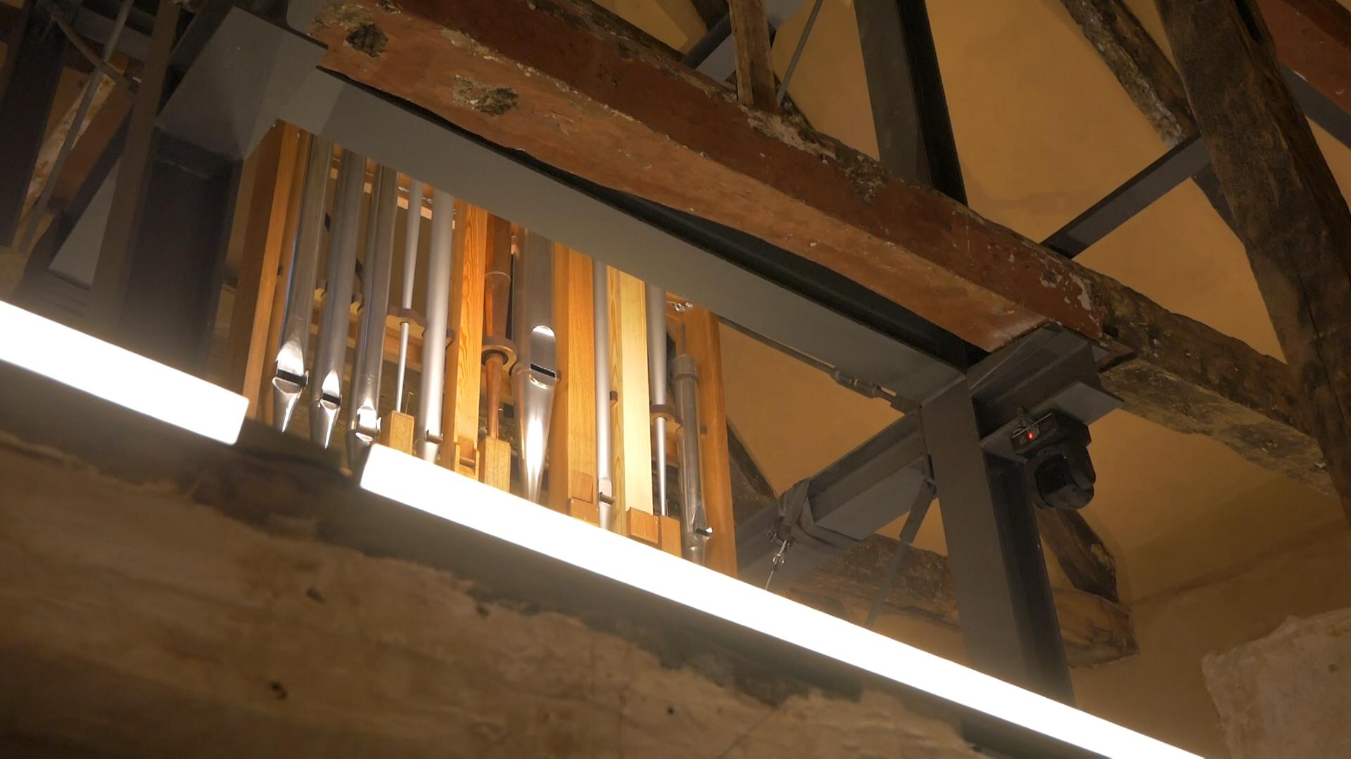 """Die Orgel, eines der zentralen Exponate der Ausstellung """"Ihr wisst mehr, als ihr denkt!"""". (Foto: Wiebken Nagel)"""